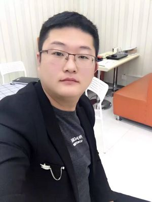 manbetx万博全站app万博app官方下载苹果设计师许鹏