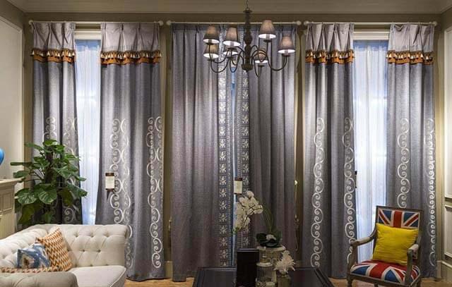 当外面噪音比较大的时候,好的窗帘在降噪上面会有很好的表现.